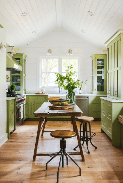 Best new paint colors for kitchens #kitchenpaintideas #kitchencolors #kitchendecor #kitcheninspiration
