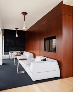 Breathtaking modern minimalist living room #minimalistinteriordesign #minimalistlivingroom #minimalistbedroom