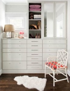 Terrific closet organizer with drawers #walkinclosetdesign #closetorganization #bedroomcloset