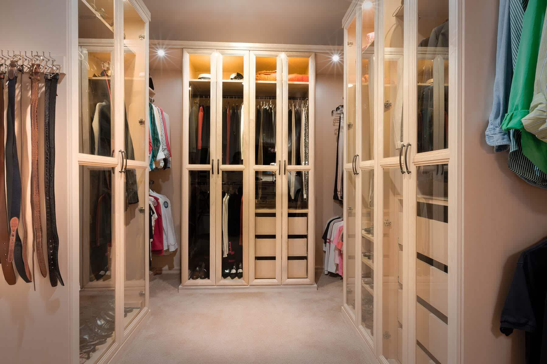 70 Smart Luxury Walk In Closet Design That Will Change Your Wardrobe