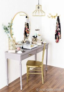 Eye-opening decorating ideas for a makeup room #makeuproomideas #makeupstorageideas #diymakeuporganizer