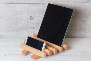 Wonderful diy phone charger holder #diyphonestandideas #phoneholderideas #iphonestand