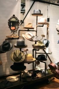 Brilliant hat rack ideas home #diyhatrack #hatrackideas #caprack #hanginghatrack