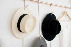 Delight hanging hat rack ideas #diyhatrack #hatrackideas #caprack #hanginghatrack