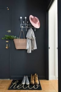Unique hat rack ideas diy #diyhatrack #hatrackideas #caprack #hanginghatrack