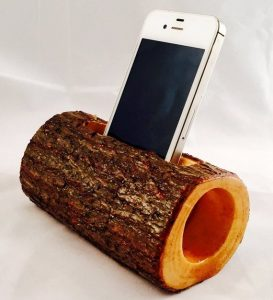 Eye-opening diy cell phone holder #diyphonestandideas #phoneholderideas #iphonestand