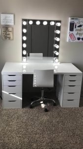 Unbelievable makeup vanity set with lights #makeuproomideas #makeupstorageideas #diymakeuporganizer