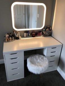 Uplifting small makeup vanity #makeuproomideas #makeupstorageideas #diymakeuporganizer
