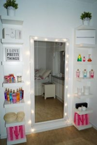 Wonderful girls makeup vanity #makeuproomideas #makeupstorageideas #diymakeuporganizer