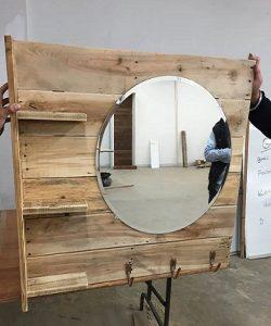 Staggering vanity mirror storage ideas #diyvanitymirror #vanitymirrorideas #vanityroom